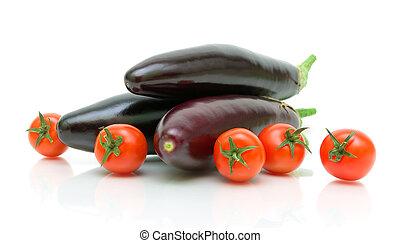 beringelas, tomates cereja