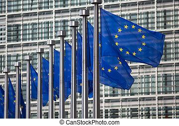 berlaymont, union, devant, drapeaux, belgique, bruxelles, bâtiment, européen