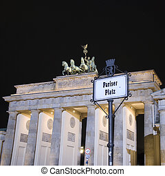 berlin brandenburg gate with pariser platz sign