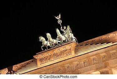 Brandenburger Tor - Berlin: Brandenburger Tor at night