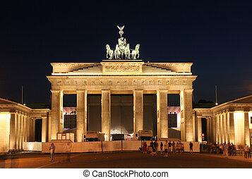 Brandenburger Tor - Berlin: Brandenburger Tor in Berlin