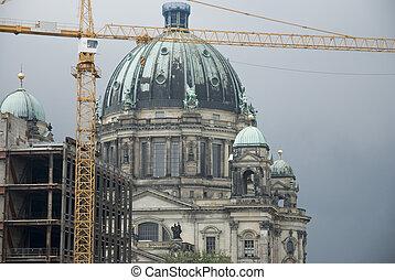 Berlin Cathedral/Berliner Dom with crane - Berlin...