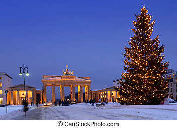 berlin christmas brandenburg gate in winter with christmas...