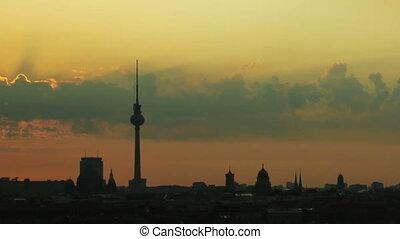 berlin, sonnenaufgang