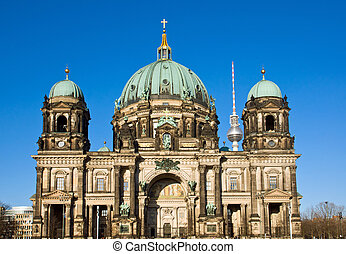 Berliner Dom in the evening sun