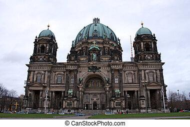 Berliner Dom on Unten den Linden, Berlin, Germany