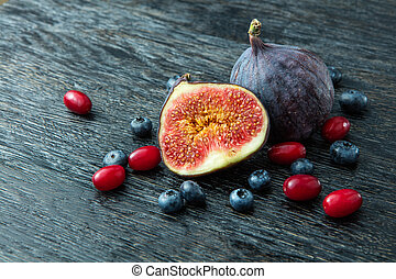 berries and figs - Fresh organic figs, dogwood, blueberries...
