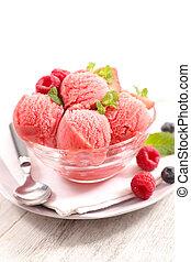 berry fruit ice cream