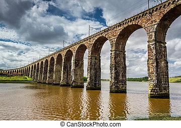 berwick-upon-tweed, ponts, trois, vue
