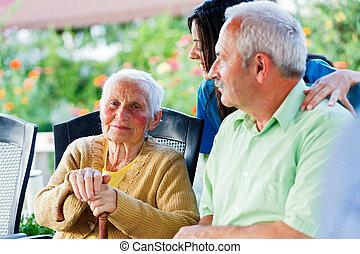 besökare, sort, dam, äldre