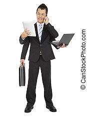 beschäftigt, geschäftsmann, gut bewegliches telephon, und, laptop, und, tablette pc, und, aktentasche