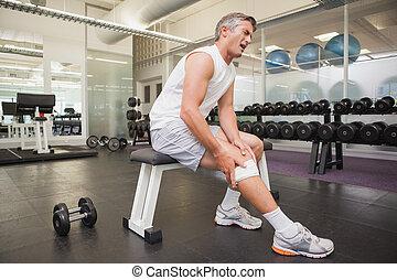 beskadiget, mand, gribe, hans, knæ, ind, den, vægte, rum