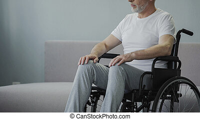 beskadiget, mand, ind, wheelchair, hos, rehabilitering, centrum, håb, til gå, igen, closeup
