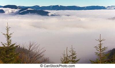 besneeuwd, bergen, en, wolken, timelaps