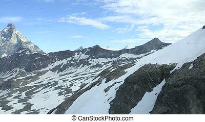 besneeuwd, bergen