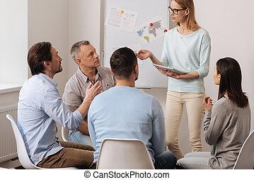 Besprechen, Arbeiter, aktiv, Gruppe, etwas