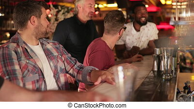 bestellen, een, drank, op, de, bar