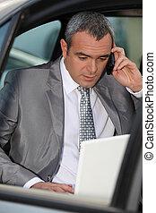 beszéd, telefon, üzletember, autó