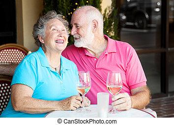 beszélgetés, párosít, -, idősebb ember, bor
