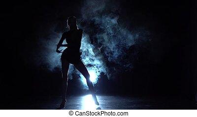 betäuben, m�dchen, tanzen, in, der, lateinamerikanisch, style., zeitlupe
