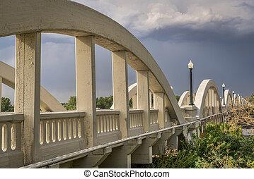 beton, boltoz bridzs, felett, déli, platte, folyó