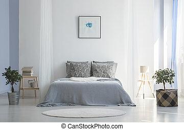 betriebe, rug., foto, einfache , plakat, schalfzimmer, grau, bett, inneneinrichtung, zwischen, echte , weißes, runder