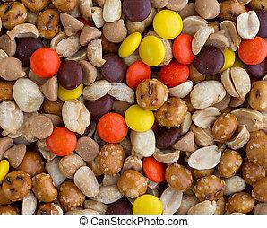 beurre arachide, chips, et, bonbon, mélange piste, fin, vue
