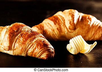 beurrez croissant, sommet, pain, table