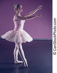 bevallig, staand, ballerina, tutu, roze