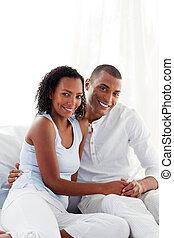 bevinding, paar, blij, resultaten, test, zwangerschap, uit