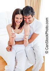 bevinding, paar, vrolijke , resultaten, test, zwangerschap, uit