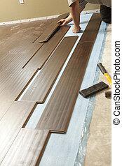 bevloering, laminaat, installeren, hout, nieuwe man