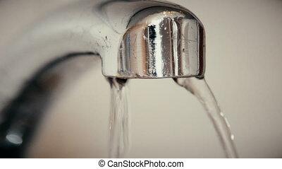 bewässern fallen, fallender , von, ein, altes , hahn, in,...