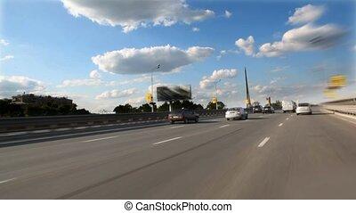 beweging, van, auto's, op, moderne, snelweg, in, een, licht,...