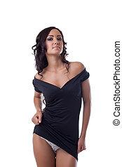 bezaubern, sexy, brünett, posierend, in, schwarzes kleid