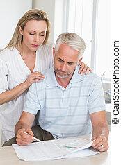 bezorgd, paar, het uitwerken, hun, financiën