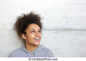 beztroski, radosny, młody, afrykańska amerykańska kobieta