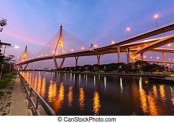 bhumibol, puente, en, amanecer, en, bangkok