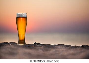 bière, coucher soleil, verre
