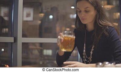 bière, femme, boire, jeune, café