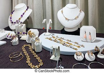 biżuteria, na, okno wystawowe