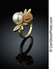 biżuteria, ring, z, perła, na, czarne tło