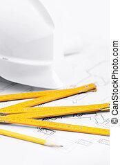 biały, twardy kapelusz, blisko, pracujący, narzędzia, zatkać się