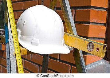 biały, twardy kapelusz, i, pracujący, narzędzia