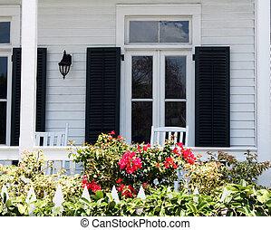 Vecchio sedie dondolo veranda legno cottage bianco for Disegni veranda anteriore