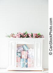 bianco, regali, interno, fiori, caminetto, stanza