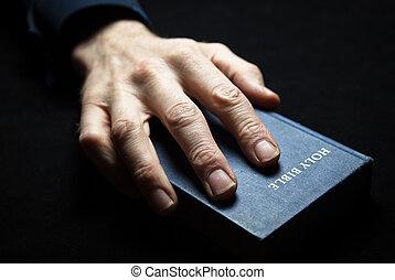 bible., mans, держа, святой, рука