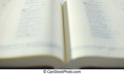 biblia, összecsavaró, könyv, kéz