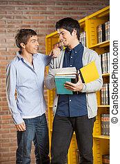 biblioteca, olhar, livros, estudante, macho, amigo