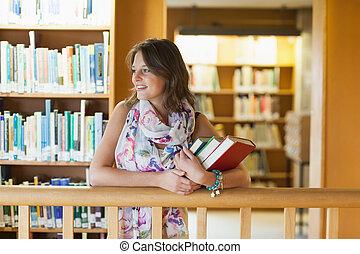 bibliothèque, livres, étudiant féminin